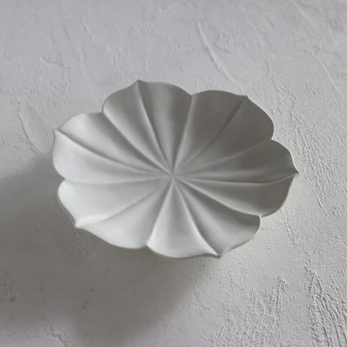 A0015 稜花5寸皿(白)
