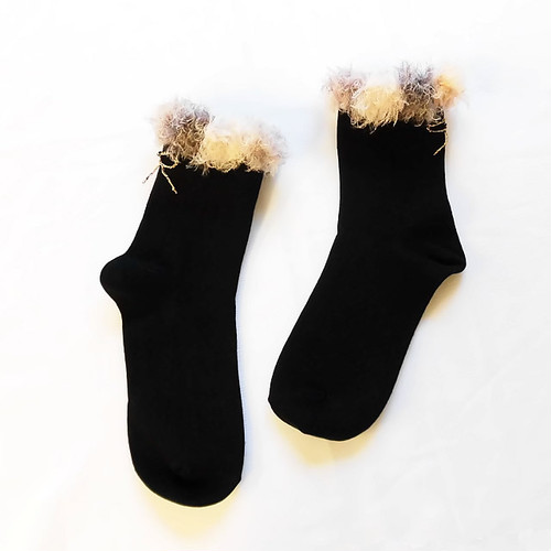 【Yuu-ri】毛糸ファーとリボンの靴下(ブラック)
