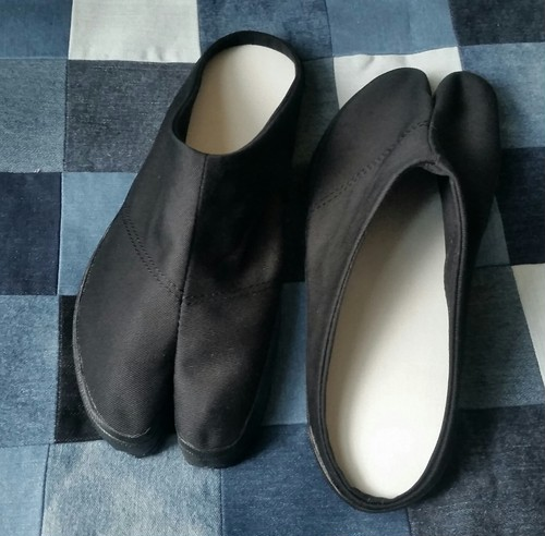 タビッパ(地下足袋型スリッパ) 黒
