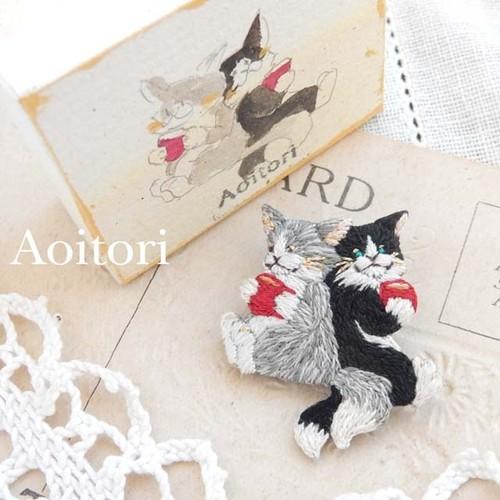 『 春と君とぼく 』 刺繍ブローチ