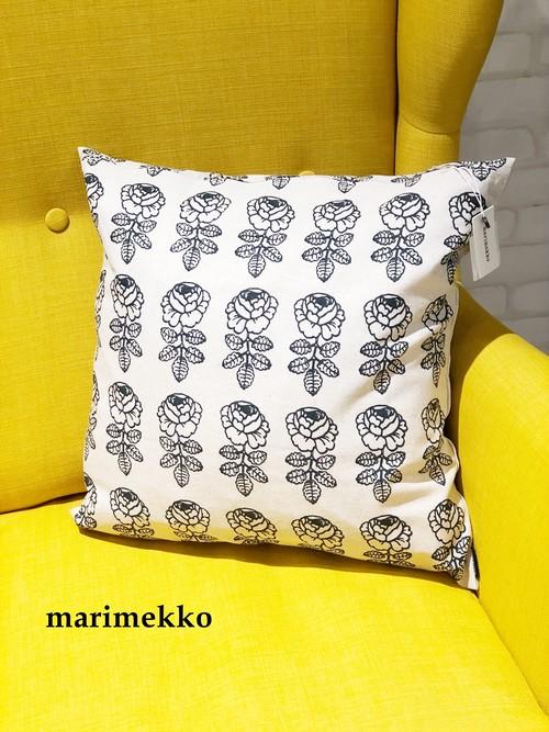 【日本限定】Marimekko (マリメッコ)/ クッションカバー/Vihkiruusu(ヴィヒキルース薔薇)/70817