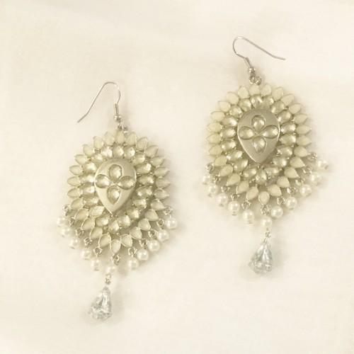 vintage pierce -pearl fringe-