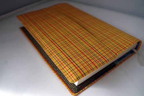 単行本 標準サイズ(絹・黄八丈)セパレート式ブックカバー ht054