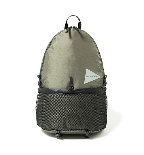 【and wander】20L back pack