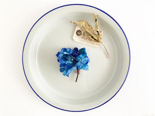 Corsage : 青紫陽花の小枝