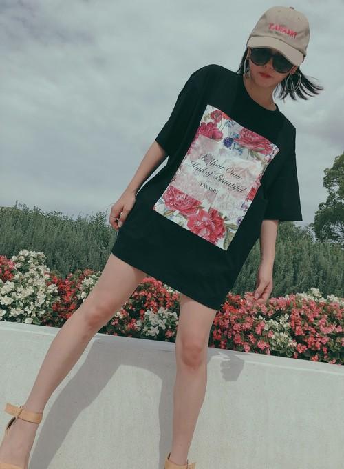 ボタニカルTシャツ