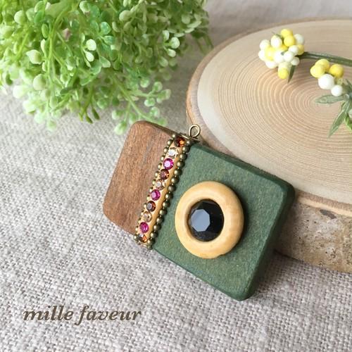 Wood camera × tassel charm