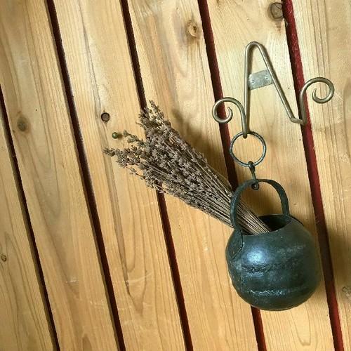 ≫ヴィンテージ*古いアイアンのハンギングフラワーベース*古鉄*吊り下げ花器*ドライフラワー花瓶*シャビー錆*ビンテージ*アンティーク