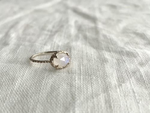 Line ring gem K10gold Rainbow moonstone