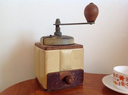 フランス プジョー社 アンティークコーヒーミル アイボリー