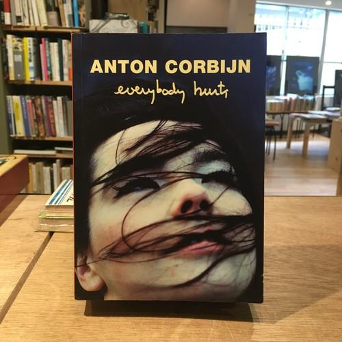 Everybody hurts / Anton Corbijn(アントン・コービン)