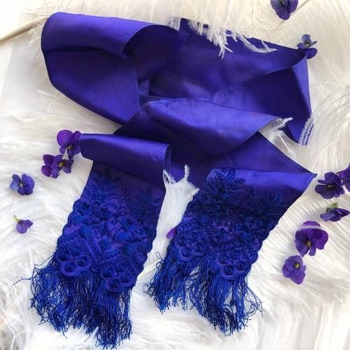 すみれ色のリボンスカーフ