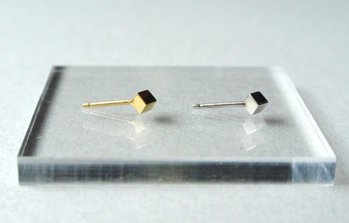 Single cube earring(SILVER)