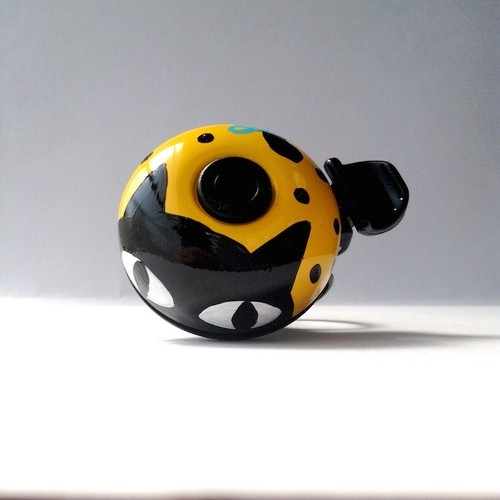 かわいい☆おしゃれな自転車ベル NDY03 黒猫の黄色(L)
