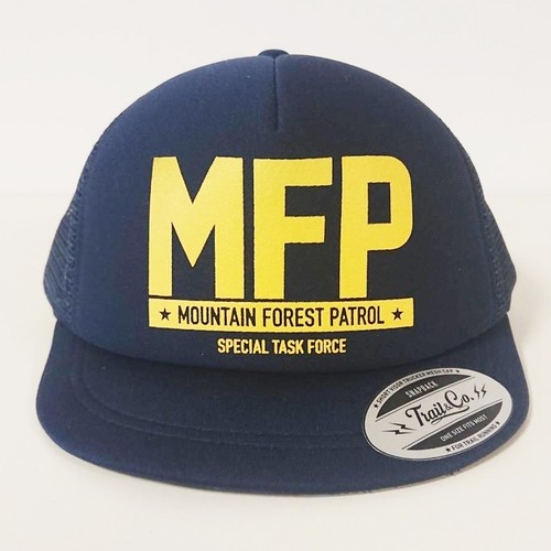 Short Visor Trucker Mesh Cap / MFP / Navy / Navy / Yellow