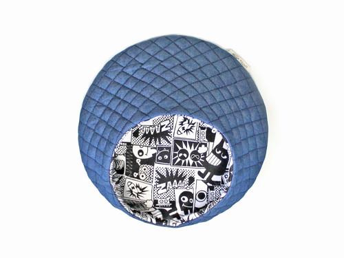 ハリちゃんのおやすみベッド(夏用) デニム × モノクロコミック / Hedgehog bed for summer
