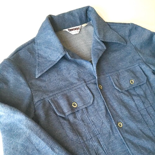 Wrangler : polyester open collar shirt (used)