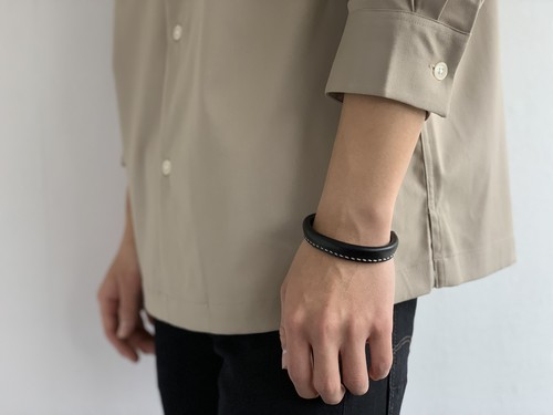f-20le0002o leather bangle