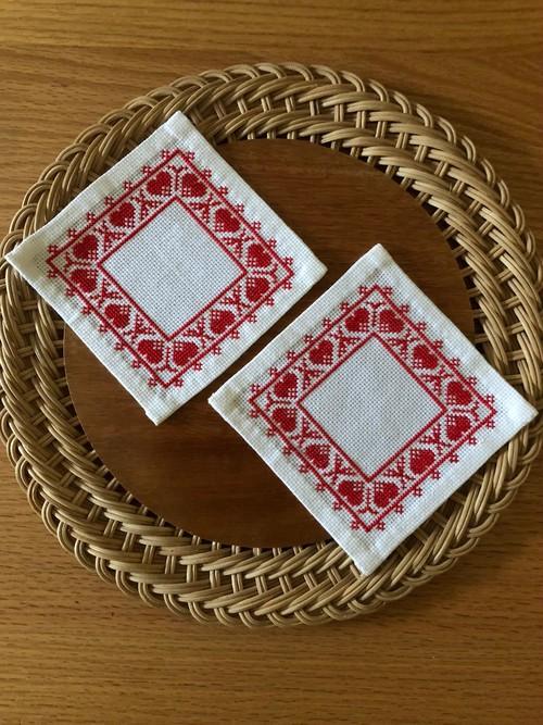 北欧 赤いハートの刺繍クロス 2枚組 ヴィンテージ