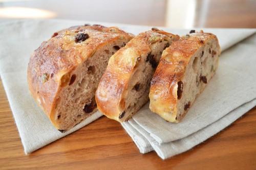 湯種10種類のナッツとドライフルーツの ソフトパン