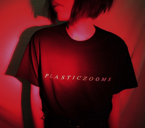 【NEW】PLASTICZOOMS T-SHIRT