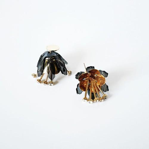 IUHA 【ユニークシリーズ】フラワーモチーフのピアス 可愛い耳飾り おしゃれ パーティー プレゼント  iuha1991810047