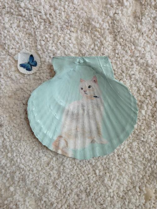 貝殻絵 (遠くを見つめる猫)
