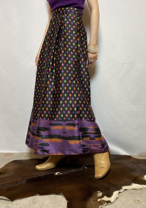 overall pattern skirt