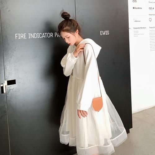 【送料無料】 ふんわりチュールスカート♡ レイヤード風 ドッキングワンピース フード付き スウェットパーカー