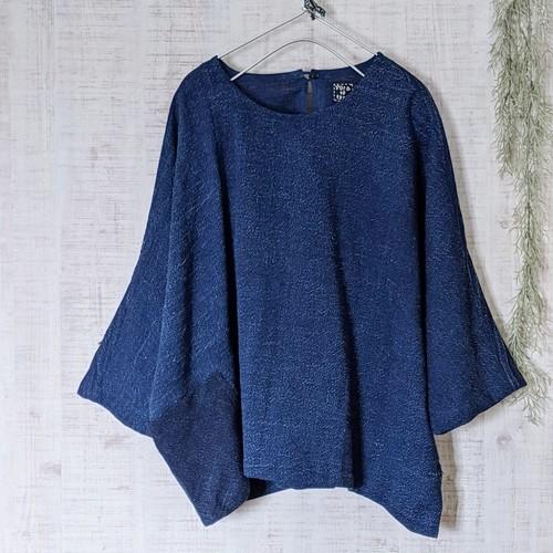 チェンマイ 藍染め手織りの七分袖プルオーバー ②