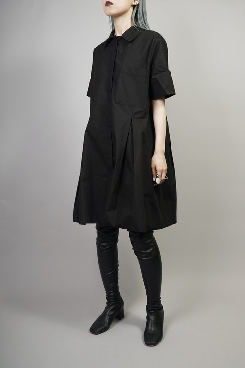 TUCK PLEATED SHIRT ONE PIECE  (BLACK) 2106-32-4