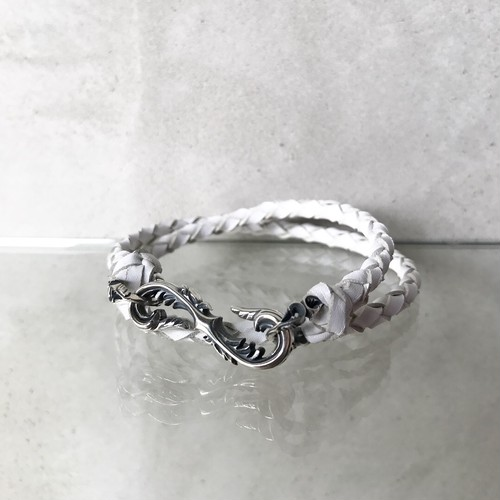 Arabesque S-shaped bracelet(classic roo lace)white