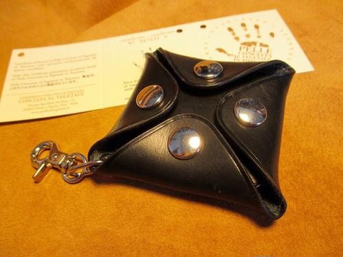 イタリアンレザー4つボタンボックスコインケース(Mサイズ)(シエナ/ブラック/ニッケルボタン)
