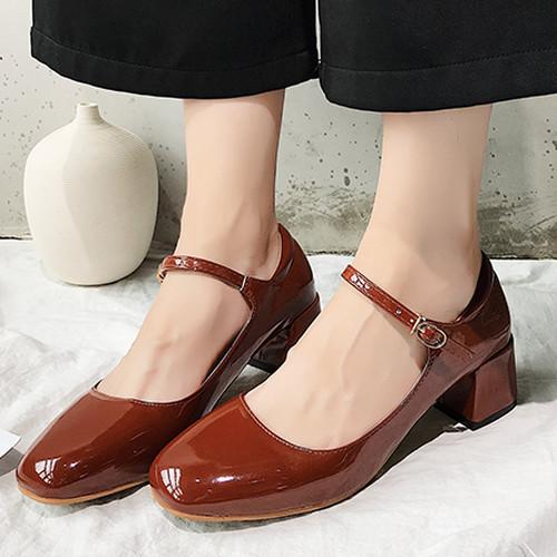 レディース ローファー 革靴 ストラップ スクエアトゥ チャンキーヒール フレアヒール エナメル 春物 脱げない 歩きやすい レトロ ガーリー フェミニン かわいい 韓国