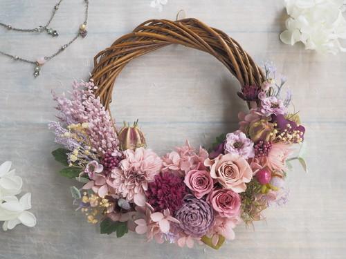 Lune Bonheur <Violet antique>*受注制作*ハーフムーンリース*プリザーブドフラワー*春*リース*お花*ギフト*結婚祝い*ひなまつり*記念日*新築祝い*引っ越し祝い