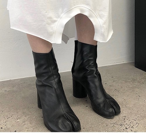 Fake leather tabi short boots