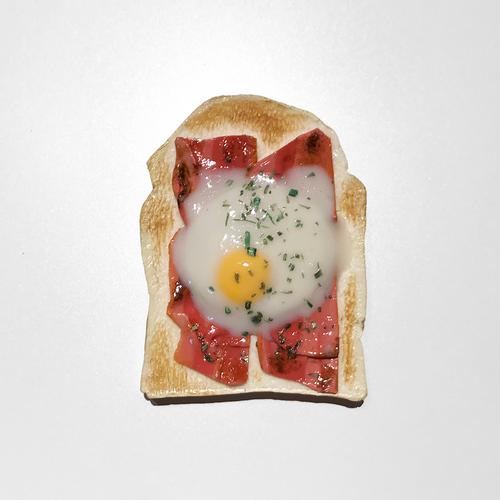 食パン(ベーコンエッグ)のブローチ