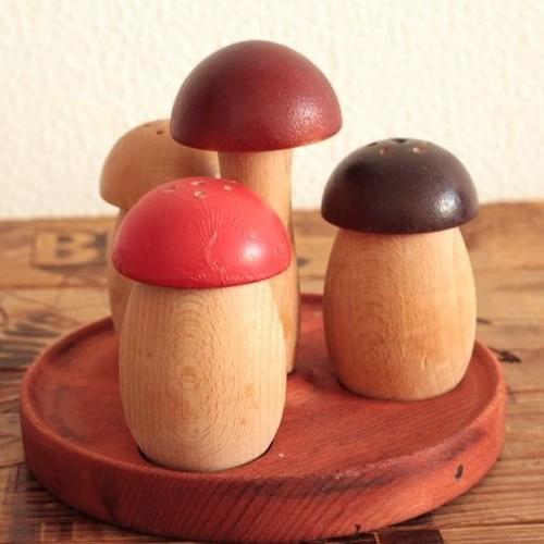 ドイツ 木製 きのこの調味料入れ/スパイス入れ/ソルト&ペッパー&