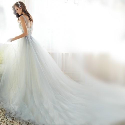 豪華なウエディングドレス 二次会 ロング 刺繍 ビスチェドレス 結婚式 ロングドレス 20代 30代 40代 新作