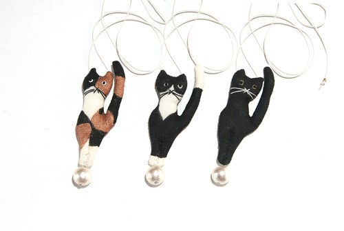 tamanori cat necklace