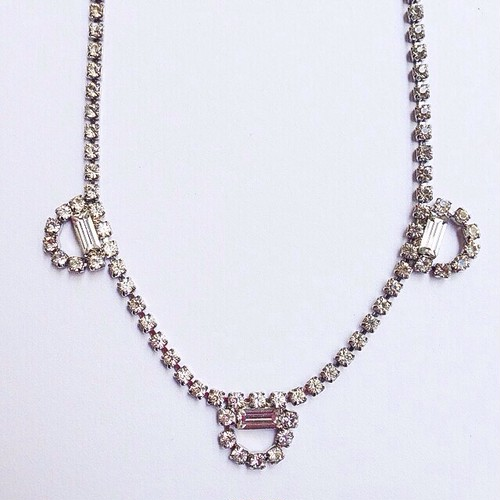rhinestone design necklace[n-58]