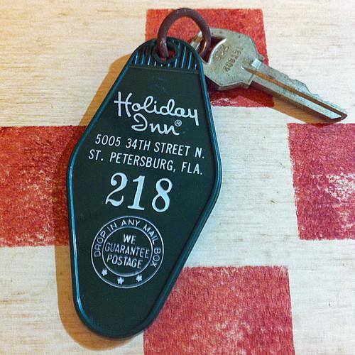 アメリカ ホテル  Holiday Inn[ホリデイ・イン]ヴィンテージ ルームキーホルダー(緑色)