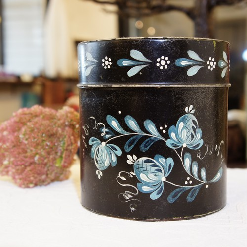 60's -70's Vintage Handprinted Tin Box Large   [OV-7]