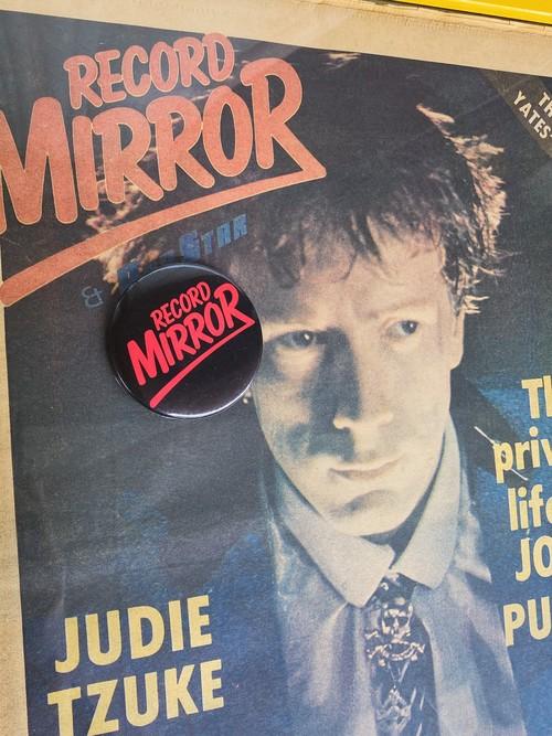 70'sRecord MIRROR Vintage Badge バッジ