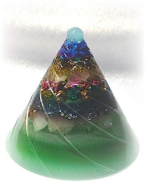 円錐型オルゴナイト(グリーン)