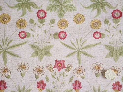 Moda Best of Morris Spring オフホワイト地にお花