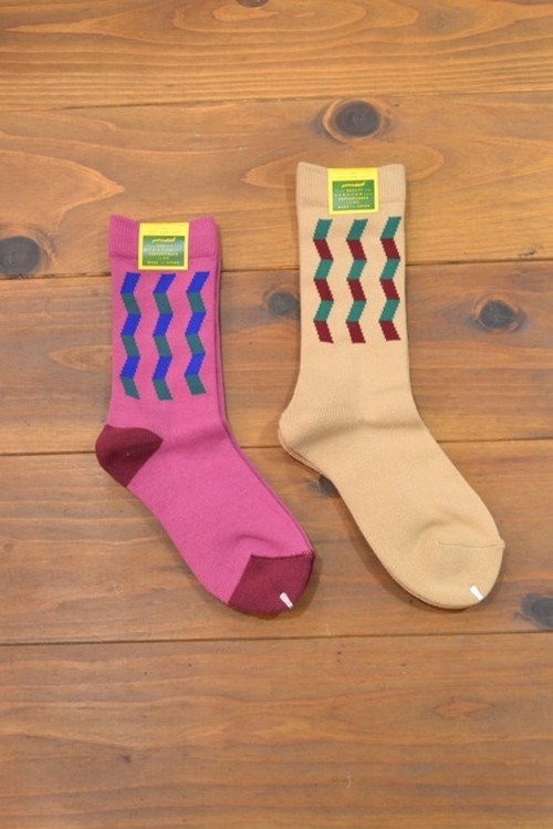 MY LOADS ARE LIGHT / ZIG ZAG SOX
