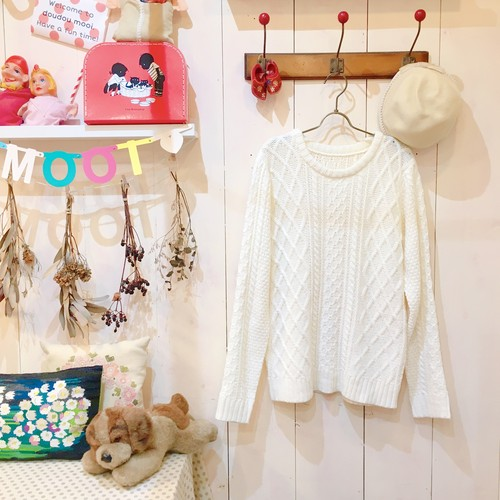 Vintage Knit / White