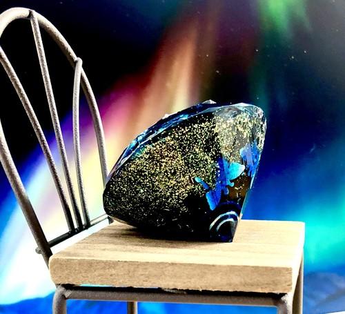 オルゴナイト(ダイヤモンド型)闇に舞う蝶