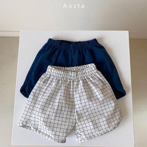 pocari line short pants